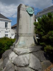 Monument à Joseph Dufrane – Frameries (statues volées)