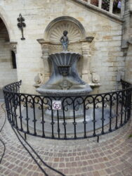Manneken-Pis – fontaine – Geraardsbergen (Grammont)
