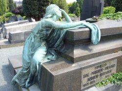 Pleureuse – Monument funéraire famille Bal-Marien-Pierard – Cimetière – Jette