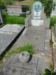 Médaillon – Yvonne – cimetière de Saint-Gilles – Uccle