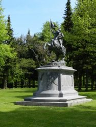 Statue équestre de Jeanne d'Arc – Marneffe