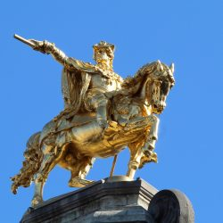 Statue équestre de Charles de Lorraine – Grand-Place de Bruxelles