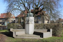 Monument au Docteur Z. Gobert – Watermael – Boitsfort