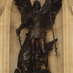 Saint Michel terrassant le démon – Charles Van der Stappen – Hôtel de Ville de Bruxelles