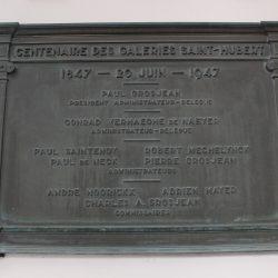 Plaque commémorative du centenaire des Galeries Saint-Hubert – Bruxelles