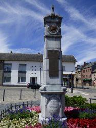 Médaillon roi Albert Ier – monument aux morts – Anhée