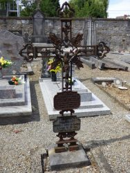 Croix funéraire – cimetière – Anhée (8)