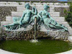Fontaine aux deux nymphes – Jardin botanique – Saint-Josse-ten-Noode