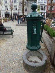 Pompe à bras – Place Simon Stevin – Brugge (Bruges)