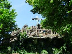 Christ en croix – Grotte N.D. de Lourdes – Jette