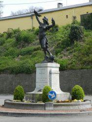Monument aux morts – Court-Saint-Etienne