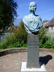 Buste de la Reine Astrid – Court-Saint-Étienne (copie)