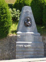 Monument au Comte Goblet d'Alviella – Court-Saint-Étienne