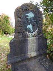 Médaillon – monument funéraire Tybergin – cimetière du Dieweg – Uccle