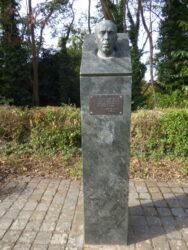 Buste du poète Armand Bernier – Forest