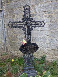 Croix funéraire – cimetière – Gerpinnes (2)