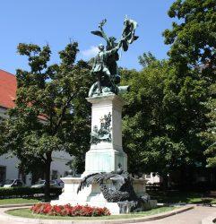 Monument commémoratif de la prise de Buda ou Monument Honvéd-szobor – Budapest (Hongrie)