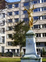Monument à Julien Dillens – Square de Meeûs – Ixelles