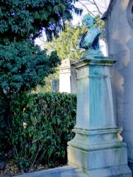 Buste de Victor Hallaux – cimetière – Ixelles