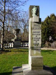 Monument à Jules Destrée – Jardin du Palais des Académies – Bruxelles