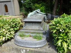 Pleureuse – sépulture Denis – Devos – cimetière – Laeken