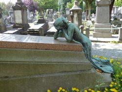 Pleureuse – sépulture famille Moyaux-De Croos – cimetière – Laeken