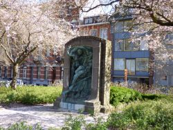 Monument à Léon Schreurs – Leuven (Louvain)