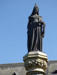 Statue de Marguerite d'York – square Eugène Derbaix – Binche