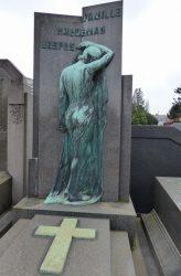 Pleureuse – Monument funéraire Haegeman-Respes – Cimetière – Molenbeek-Saint-Jean