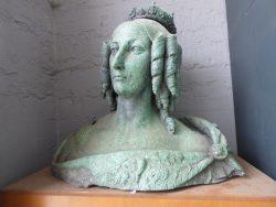 Buste de la reine Louise-Marie – Philippeville