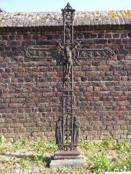 Croix funéraire – cimetière – Ruisbroek (1)
