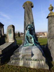 Pleureuse – Tombe Wiskemann – cimetière de Saint-Gilles – Uccle