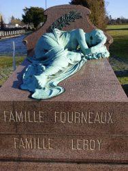 Pleureuse – sépulture Familles Fourneaux et Leroy  – cimetière de Saint-Gilles – Uccle