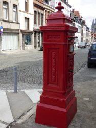 Borne postale – Rue Saint-Martin – Tournai