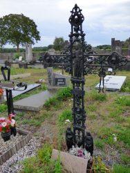 Croix funéraire – cimetière – Tourpes (3)