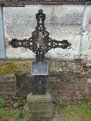 Croix funéraire – cimetière – Tourpes (5)