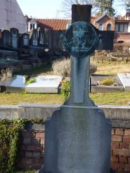 Médaillon sépulture Adoration perpétuelle – Watermael-Boitsfort