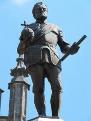 Statue de Charles-Quint (disparue) – square Eugène Derbaix – Binche