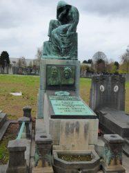 Pleureuse – Monument funéraire Van Campenhout-Devits  – Cimetière – Molenbeek-Saint-Jean